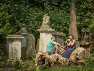 Picnickers in Abney Park