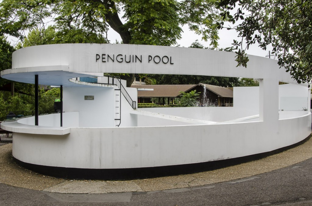 Outside of the Penguin Pool at London Zoo